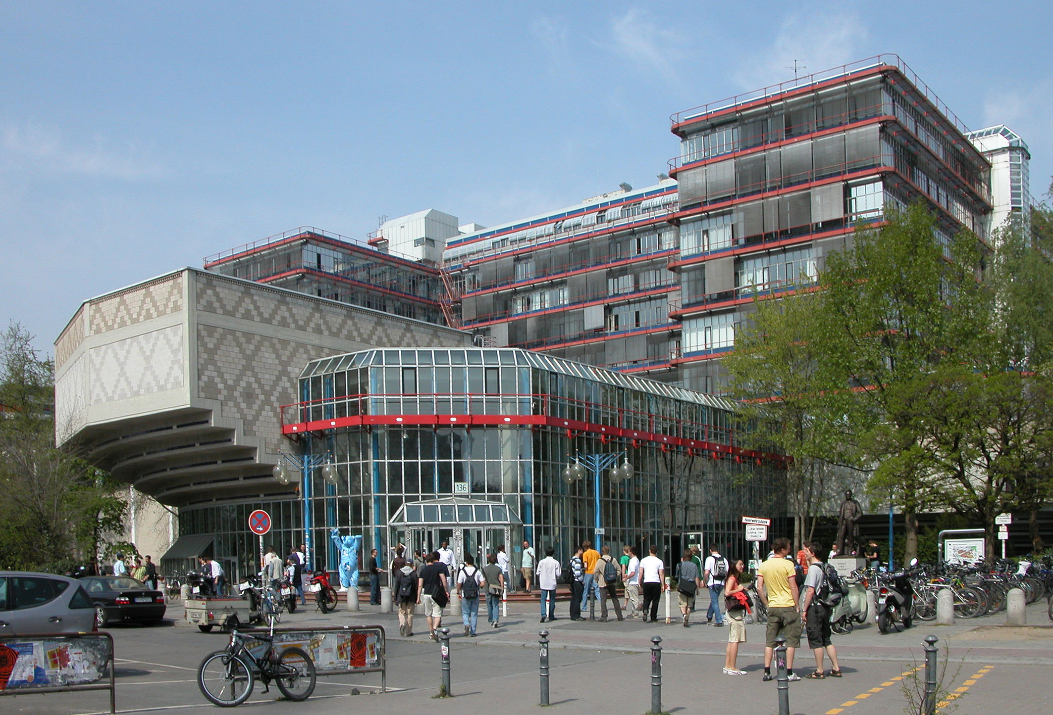 Photo of the Mathematics Faculty of TU Berlin Campus